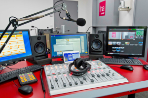 Ina EXPERT has installed Broadcast Pix VOX visual radio systems at two of its campuses to help train students in this growing radio broadcasting trend. Photo courtesy of Didier Allard © Ina – Radio Studio in Bry sur Marne.