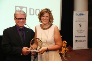 Pat Griffis de Dolby Labs et Barbara Lange de la SMPTE