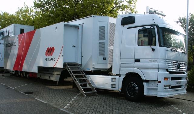 Un des cars de production vidéo de l'opérateur espagnol Mediapro