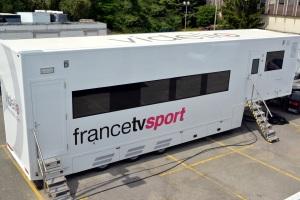 Le car de France Télévisions Sport conçu par Videlio Events abrite notamment les équipements de postproduction Avid. (c) Pascal Versaci.